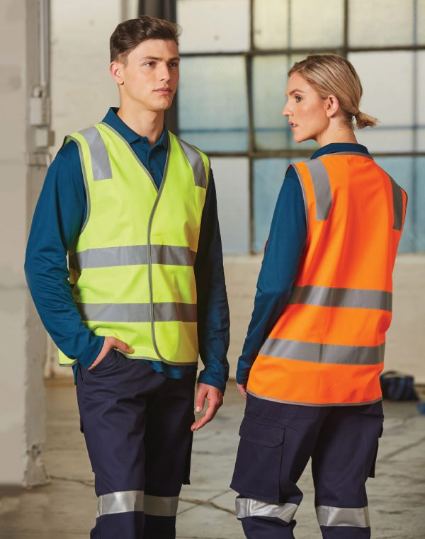 SW43 safety vest with shoulder tapes